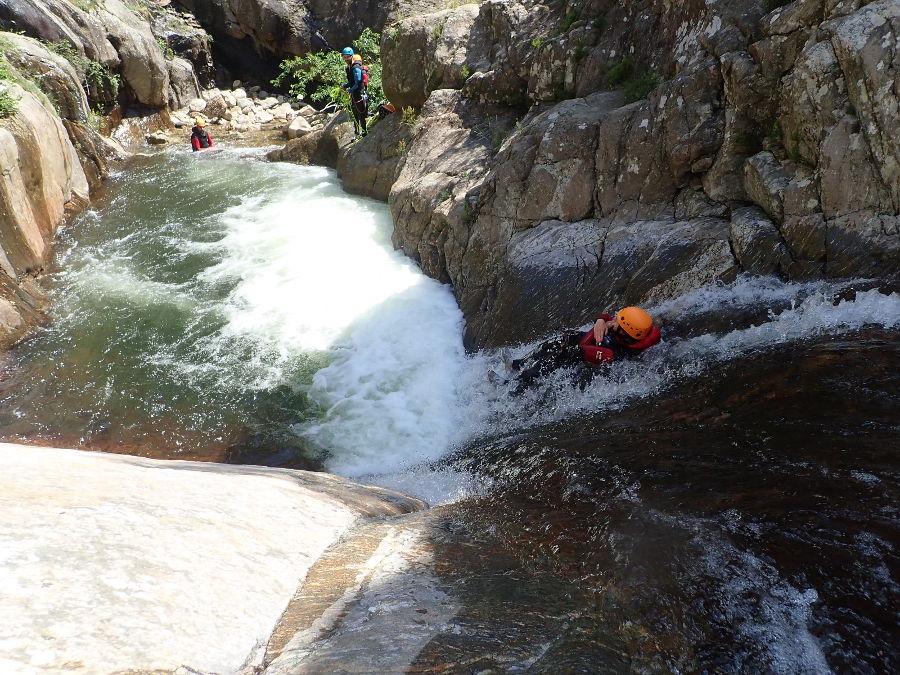 Canyoning Au Rec Grand, Près De Montpellier Dans L'Hérault Au Parc Naturel Du Haut Languedoc