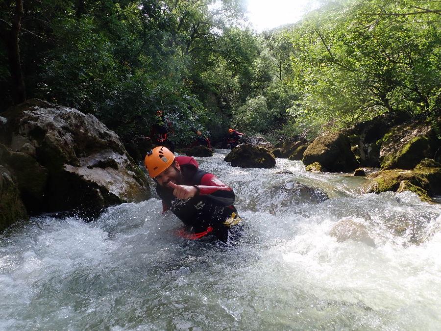 Canyoning Au Ravin Des Arcs, Près De Montpellier Avec L'équipe De Moniteur D'entre2nature En Occitanie