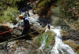 Canyon Dans Le Caroux à Sensations Dans L'Hérault