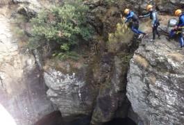 Saut En Canyon Dans Le Caroux Près De Montpellier