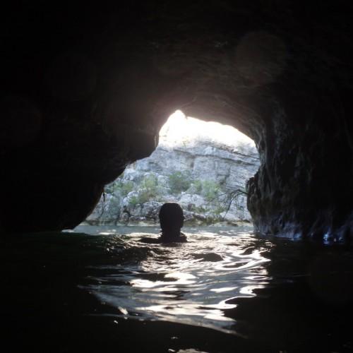 Canyoning Dans La Rivière Du Ravin Des Arcs, Avec Les Moniteurs De L'Hérault Et Du Gard, Près De Montpellier