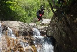 Canyon Des Cascades D'Orgon Dans Le Gard, En Cévennes Près Du Mont Aigoual, Avec Les Moniteurs De Montpellier Dans L'Hérault.