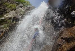 Canyoning Dans Le Gard Et L'Hérault, Avec Rappel Sous Cascade Arrosé, Dans L'Orgon En Cévennes Près Du Mont Aigoual