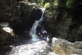Canyoning Des Cascades D'Orgon, Dans Le Gard, En Cévennes Près Du Mont Aigoual. Activités De Pleine Nature Avec Les Moniteurs De Montpellier, Dans L'Hérault En Languedoc
