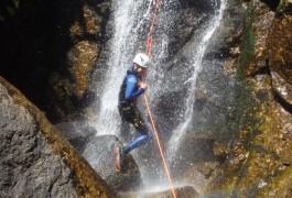 Sport Nature Et Canyoning Dans L'Orgon, Avec Les Moniteurs Du Gard En Languedoc. En Famille Ou Entre Amis....