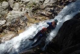 Canyoning Dans Les Cascades D'Orgon Et Toboggan Dans Le Gard Et Les Cévennes Pour Des Activités De Pleine Nature Dans Le Languedoc-Roussillon.