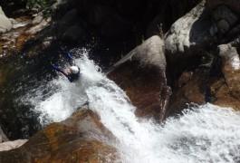 Toboggan Et Canyoning Dans Les Cascades D'Orgon En Cévennes, Dans Le Gard En Languedoc. Sports De Pleine Nature Près De Montpellier Avec Entre2nature