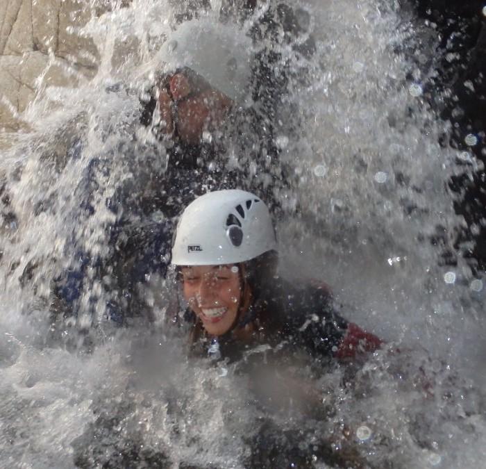 Canyoning Et Randonnée Aquatique Dans Les Cévennes Et Le Gard, Dans Une Eau Limpide, Près D'Anduze. Avec Les Guides D'Entre2nature Pour Des Sports Dans Tout L''Hérault.