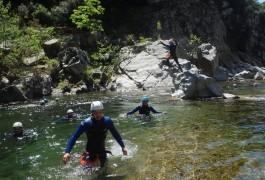 Randonnée Aquatique Dans Le Gardon, Pour Ce Canyon Du Soucy, Près D'Anduze, Aux Frontières De L'Hérault, Avec Nos Moniteurs De Montpellier.