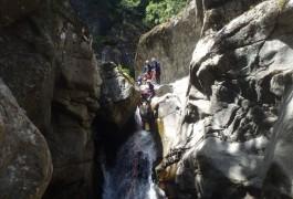 Activités De Pleine Nature En Canyoning Dans Le Tapoul, En Plein Coeur Des Cévennes Au Mont Aigoual En Languedoc-Roussillon