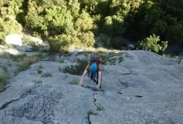 Escalade Grande Voie Avec Les Moniteurs Du Languedoc-Roussillon, Spécialistes Des Sports De Pleine Nature Dans L'Hérault Et Le Gard.