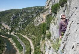 Escalade Grande Voie Dans L'Hérault, Près De Montpellier Avec Les Moniteurs D'entre2nature, Basé Dans L'Hérault En Languedoc-Roussillon