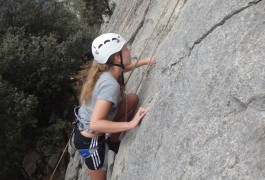 Sport De Pleine Nature, Encadrés Par Des Professionnels De L'escalade Et Du Canyon, Basé Sur Montpellier En Languedoc-Roussillon.