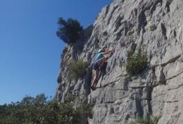 Escalade à Valflaunès Avec Les Moniteurs D'Entre2nature, Basé à Montpellier