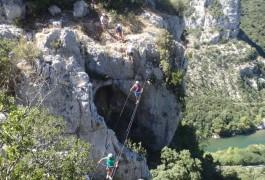 Via-ferrata Et Son Pont De Singe Dans Le Thaurac, Près De Montpellier, Avec Les Moniteurs D'entre2nature