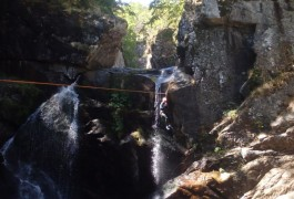 Canyoning Et Tyrolienne Au Tapoul Dans Les Cévennes Au Mont Aigoual. Avec Les Moniteurs D'entre2nature Basé Sur Montpellier Dans L'Hérault En Languedoc-Roussillon