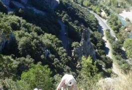 Via-ferrata Du Thaurac Près De Montpellier En Languedoc-Roussillon Dans L'Hérault Et Le Gard Avec Les Moniteurs D'entre2nature Spécialistes De L'escalade Et Du Canyon