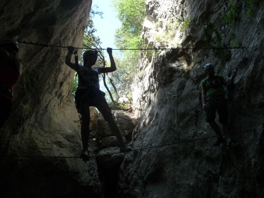 Via-ferrata Et Sports De Pleine Nature Près De Montpellier Dans L'Hérault Avec Des Moniteurs Professionnels De L'escalade Et Du Canyon