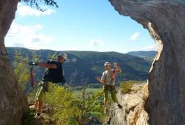 Via-ferrata Du Liaucous Dans L'Aveyron, Près De Millau. Sports De Pleine Nature.