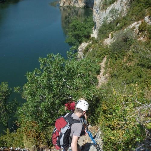 Sports De Pleine Nature Et Via-ferrata Dans L'Hérault, Entre Montpellier Et Lunel, Tout Près Du Gard Dans Le Languedoc-Roussillon. Encadrement Par Des Spécialistes De L'escalade.