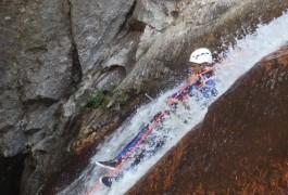 Initiation Au Rappel En Canyoning Dans Le Rec Grand. Activités De Pleine Nature Dans Le Parc Naturel Du Haut Languedoc, Au Coeur De L'Hérault, Tout Près De Montpellier