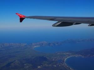 aircraft-1117799_640