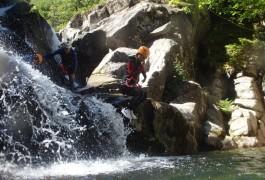 Canyoning En Cévennes Dans Le Tapoul, Près Du Mont Aigoual.