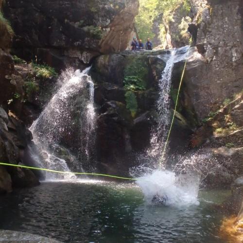 Canyoning Dans Les Cévennes Au Tapoul. Entre L''Hérault Et Le Gard.
