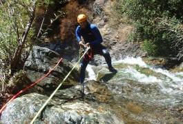 Canyoning Dans Le Ruisseau D'Albès Au Caroux, Dans L'Hérault Près De Montpellier