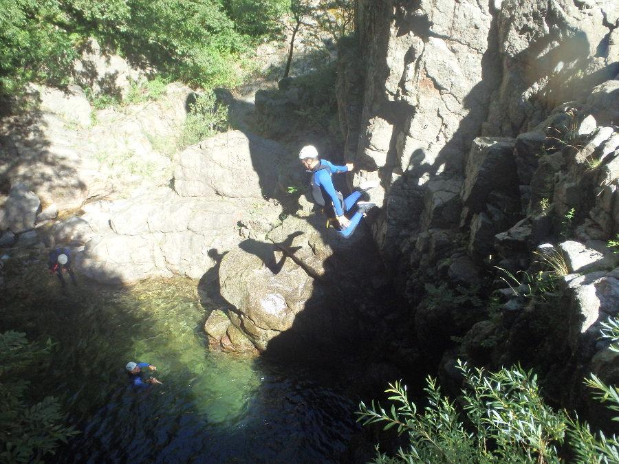Canyoning dans l'Orgon près du Vigan en Cévennes, aux portes de l'Hérault
