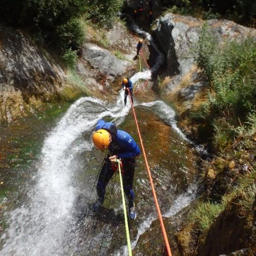 Canyoning Et Descente En Rappel Dans Le Caroux, Avec Les Moniteurs De Montpellier, Dans L'Hérault