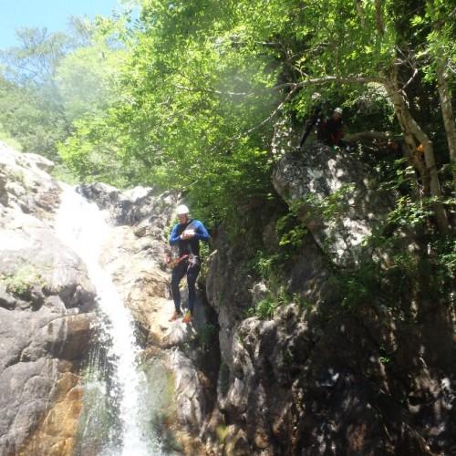 Canyoning Aux Cascades D'Orgon Dans Lle Gard En Cévennes