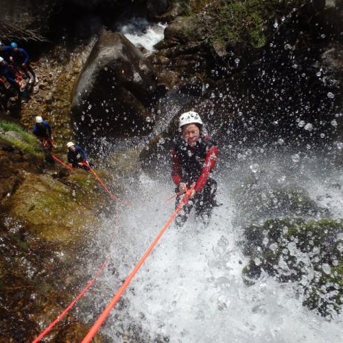 Canyoning En Cévennes Près De Nîmes Et Montpellier Dans L'Hérault Et Le Gard