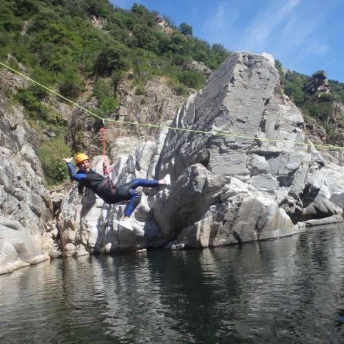Canyoning Dans Le Gard Et L'Hérault Près De Nîmes Et Montpellier Dans Le Languedoc-Roussillon