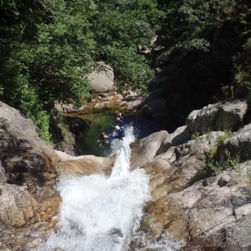 Canyoning Et Toboggan Dans L'Orgon En Cévennes Dans Le Gard