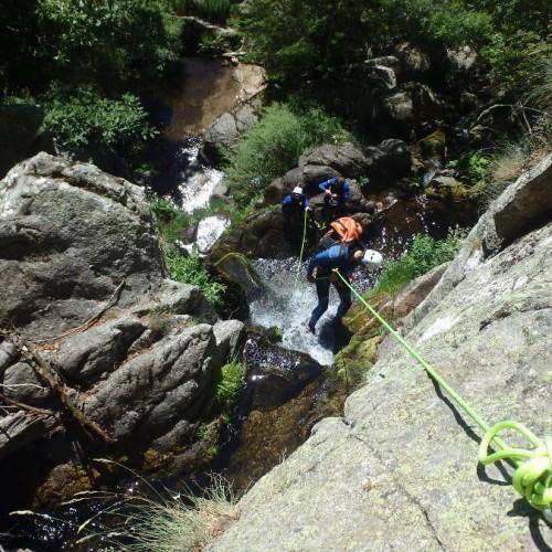 Canyoning Près Du Vigan En Cévennes Dans Le Gard Près Du Mont Aigoual