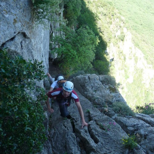 Escalade Au Pic Saint-loup Avec Les Moniteurs De L'Héraut Et Du Gard