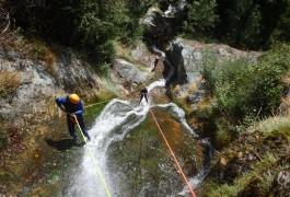 Canyoning Et Rappel Dans Le Ruisseau D'Albès Dans Le Parc Naturel Du Haut Languedoc