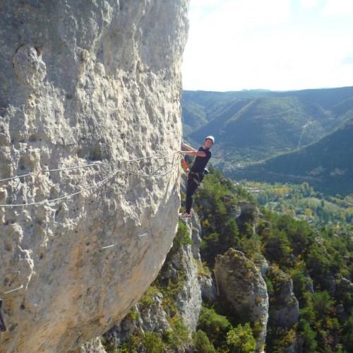 Via-ferrata Dans Les Gorges Du Tarn En Aveyron, Près De Millau Avec Les Moniteurs De Montpellier