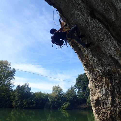 Gros Dévers En Via-ferrata Au Dessus Du Vidoule Dans Le Gard