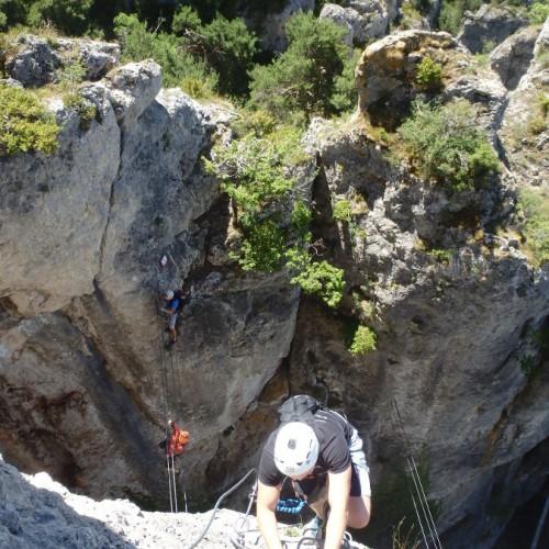 Via-ferrata Du Liaucous Dans Les Gorges Du Tarn, Près De Millau En Aveyron