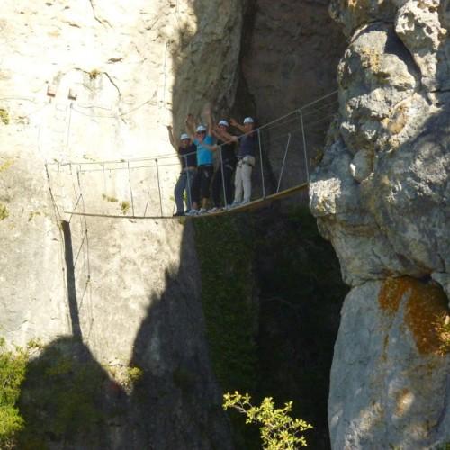 Via-ferrata Près De Millau Et Son Pont De Singe Au Liaucous Dans L'Aveyron
