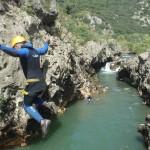 Canyoning à Saint-Guilhem Le Désert Près De Montpellier Dans L'Hérault En Languedoc Avec Des Moniteurs De Pleine Nature