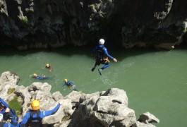 Randonnée Aquatique Au Pont Du Diable Près De Saint-Guilhem Le Désert Et Montpellier Dans L'Hérault